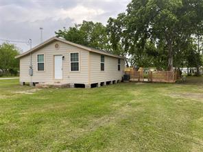 338 5th St Street, Van Vleck, TX 77482