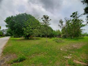 51 County Road 2236, Cleveland TX 77327