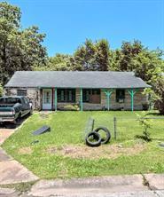 5127 Lyndhurst, Houston TX 77033