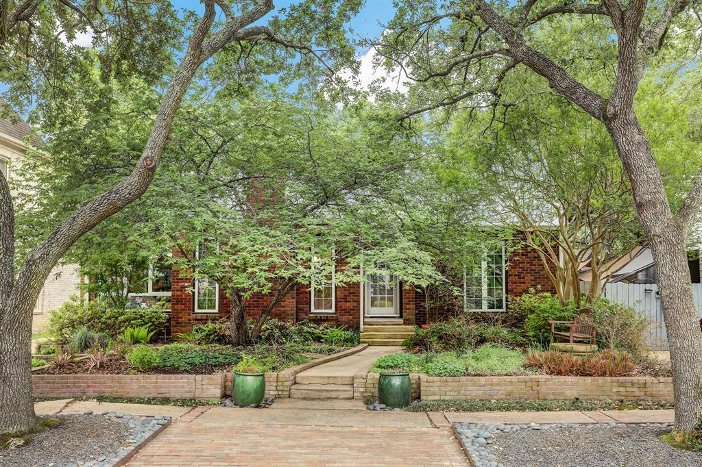 A rare and extraordinary opportunity in W. University Pl. Zen-like and fabulous, 2829 Nottingham offers an unassuming red brick bungalow with a standing seam metal roof in one of the best locations within W. University Pl.. The over the top renovations or not to be missed. The owners meticulously designed and built a very open floor plan with calming views to a lush garden oasis. The expertly crafted interiors rival new construction. If you're looking for a master bedroom on the first floor, the study, and one of the best chefs kitchen around, this is it.  All per Seller