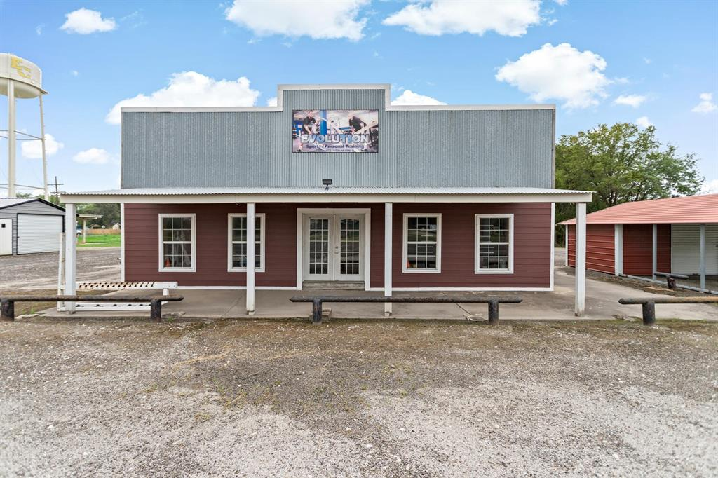Multipurpose Commercial Property with open concept located off State Hwy 124 in Winnie. This property has been apart of the Winnie-Stowell community since the 1920's. Previously used as a Café, Bar and currently a CrossFit Center. Plenty of space for parking. Great investment opportunity!