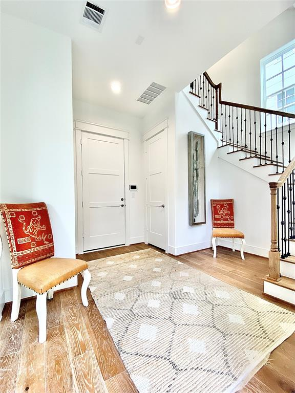 7409 Westview Drive, Houston, Texas 77055, 3 Bedrooms Bedrooms, 6 Rooms Rooms,3 BathroomsBathrooms,Townhouse/condo,For Sale,Westview,581588