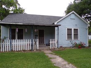 409 Mayfield Avenue, El Campo, TX 77437
