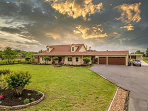 315 E Canal Road, Highlands, TX 77562