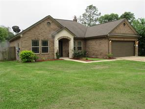 351 N Amherst Drive, West Columbia, TX 77486