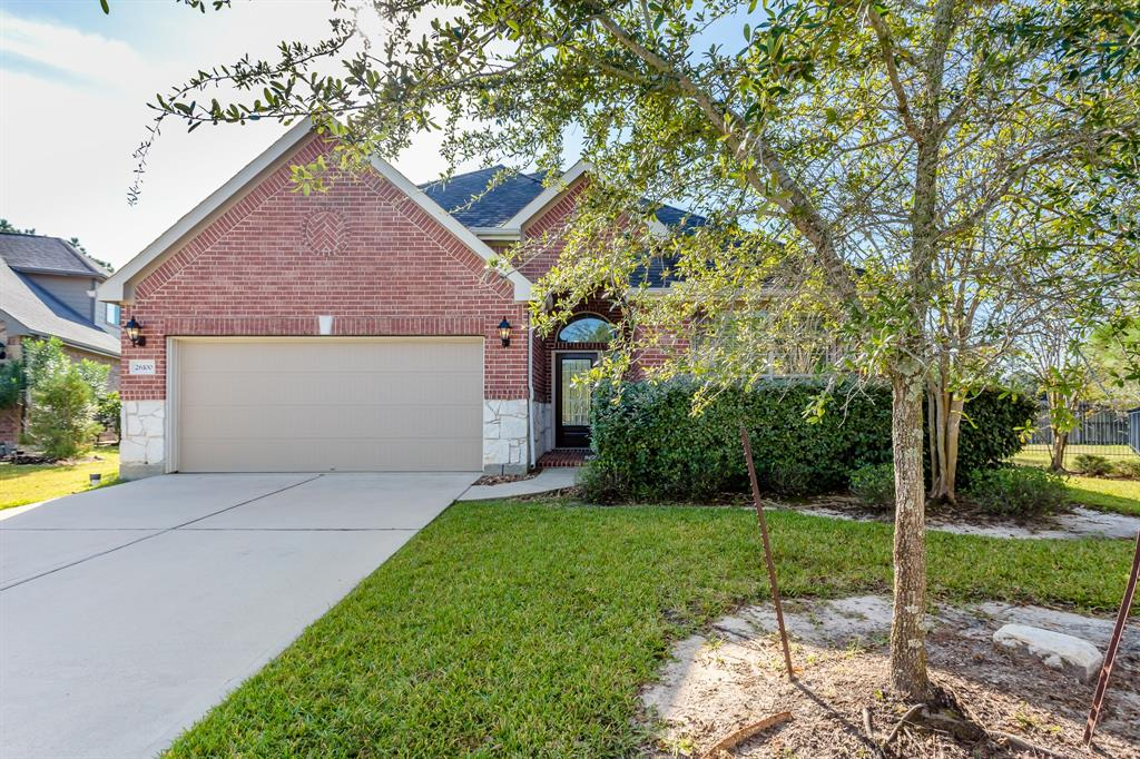 Beautiful one story rental in the heart of Creekside Park. Super 4 bedroom w/3 full baths. Large living area w/corner gas log fireplace, tile floors along & ceiling fan w/light. Living room opens to the kitchen & breakfast rooms. Very spacious kitchen w/tons of cabinet & counter space, walk-in pantry, granite countertops, electric oven w/gas cooktop & under counter lighting. Nice sized breakfast room adjoins kitchen & living room. Pretty formal dining next to the kitchen. Primary bedroom & bath are off the living area. Primary bath has 2 sinks, separate shower & jetted tub & nice walk-in closets. In the front of the house you have 3 large bedrooms, 2 full baths plus a study nook near the bedrooms too. Spacious utility room that has adjoining mud type room that is off of the garage space. Super back yard w/covered patio as well. Cul-de-sac location makes for spacious front & back yard for family & pets. Close to HEB shopping center along w/many new stores & restaurants. Close to park !!