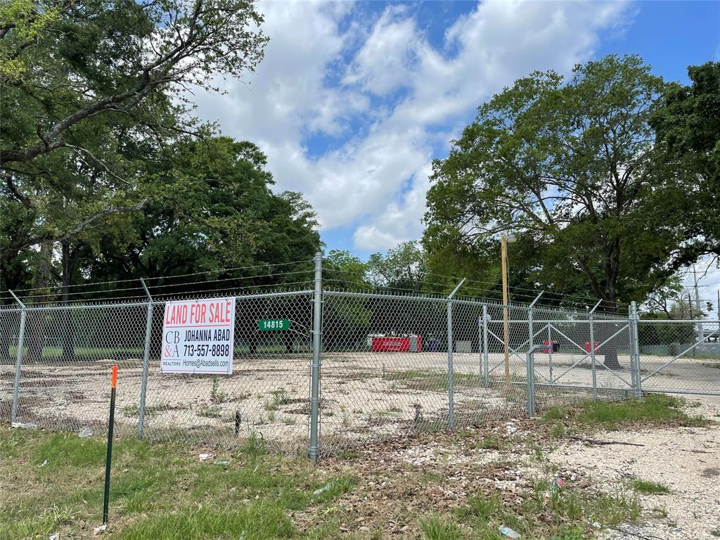 Don't miss out on this opportunity. COMMERCIAL LOT. This property has great access to Interstate 69 and the North Sam Houston Parkway East (easy freeway access and well traveled).   Existing survey available, new water well pump, chain link fenced all the way around 6 feet tall with a rolling gate . The property has been outfitted with conduit all around for future lighting. Internet capable. 80% of the property is gravel and the storage container stays.