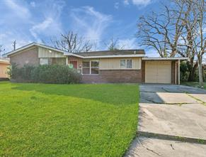 2707 Knotty Oaks, Houston TX 77045