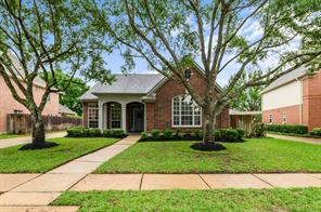 13627 Willow Heights Court, Houston, TX 77059