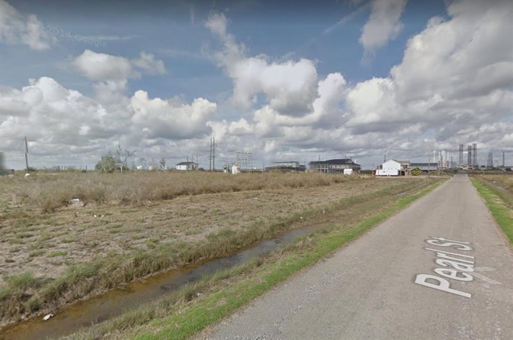 Lots 7, 11 & 12 Pearl Street, Sabine Pass, TX 77655