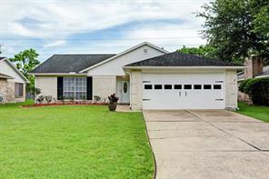 2910 S Peach Hollow Circle, Pearland, TX 77584