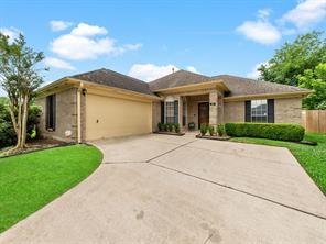 221 Chariss Glen Drive, League City, TX 77573