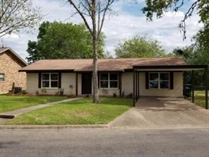 302 Hessler Drive, Hallettsville, TX 77964