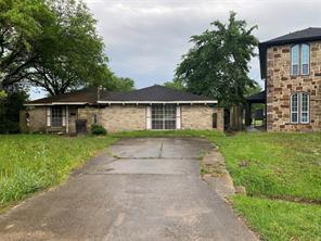 8703 Rockcliff, Houston TX 77037