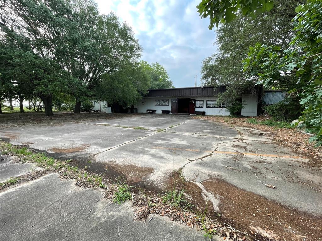 1103 US Highway 59, Edna, TX 77957