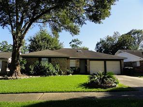826 Wavecrest, Houston, TX, 77062