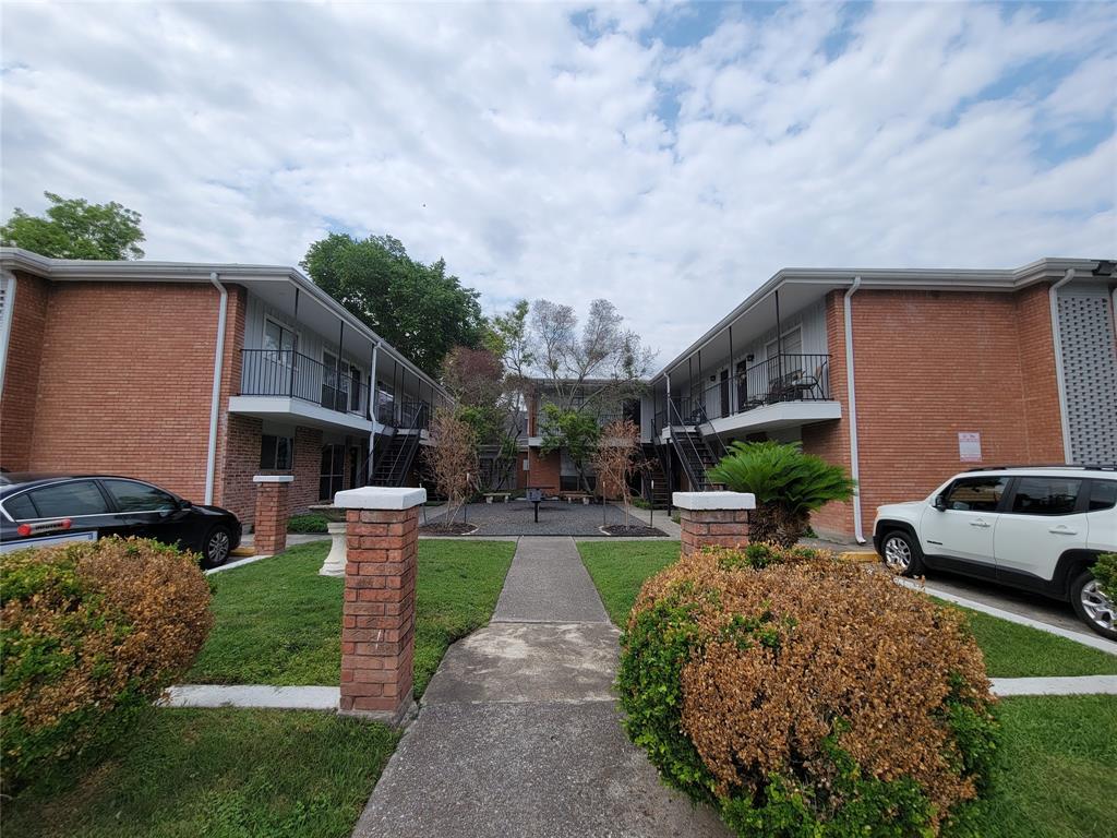 425 9th Street, Houston, Texas 77007, 1 Bedroom Bedrooms, 5 Rooms Rooms,1 BathroomBathrooms,Rental,For Rent,9th,92325865