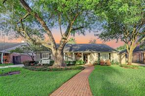 1807 Briarmead, Houston TX 77057