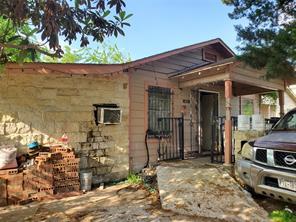 825 40th Street, Houston TX 77022
