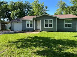 206 Stuart Street, Richwood, TX 77531
