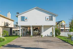 1011 Tiki Drive Drive, Tiki Island, TX 77554