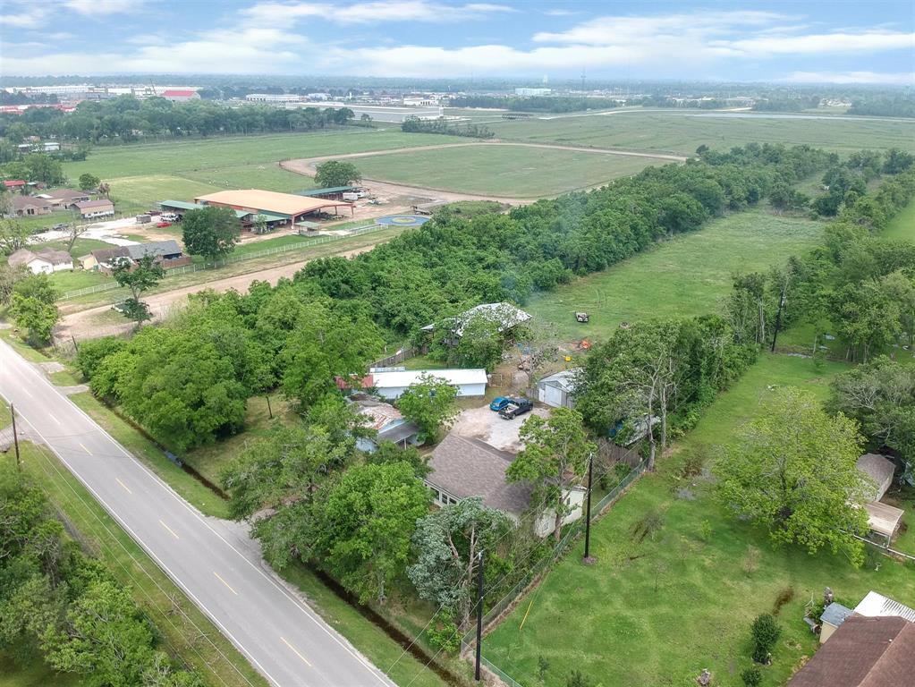 5322 W Cedar Bayou Lynchburg Road, Baytown, TX 77521