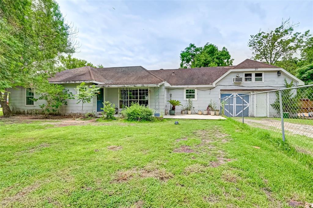 2415 W Cedar Bayou Lynchburg Road, Baytown, TX 77521