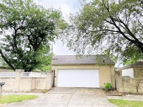 6915 Pouter Drive, Houston, TX 77083