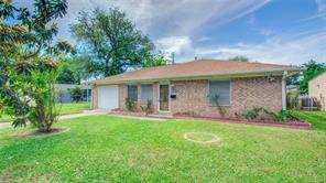 110 Barracuda Avenue, Galveston, TX 77550