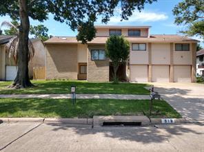 918 Hackberry Street, La Porte, TX 77571