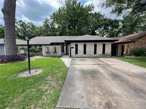 5618 Briarwick, Houston TX 77016