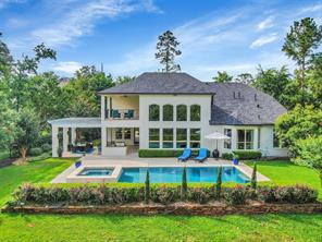 19 Player Oaks Place, The Woodlands, TX 77382