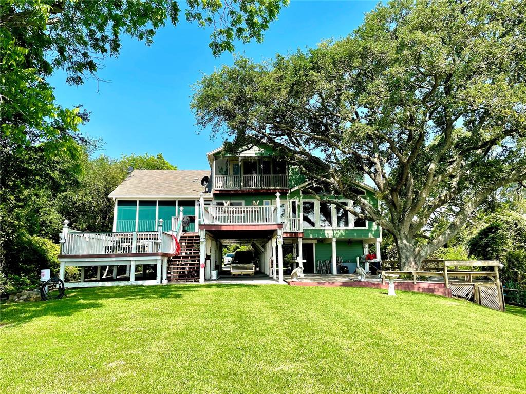 10200 Ocean Drive, Beach City, TX 77523