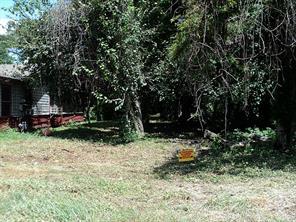 834 Green Meadow Lane, Houston, TX 77091