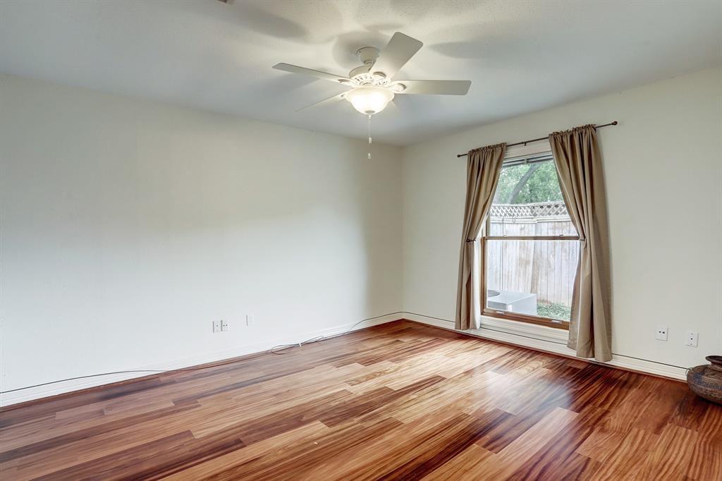 1st floor primary bedroom.