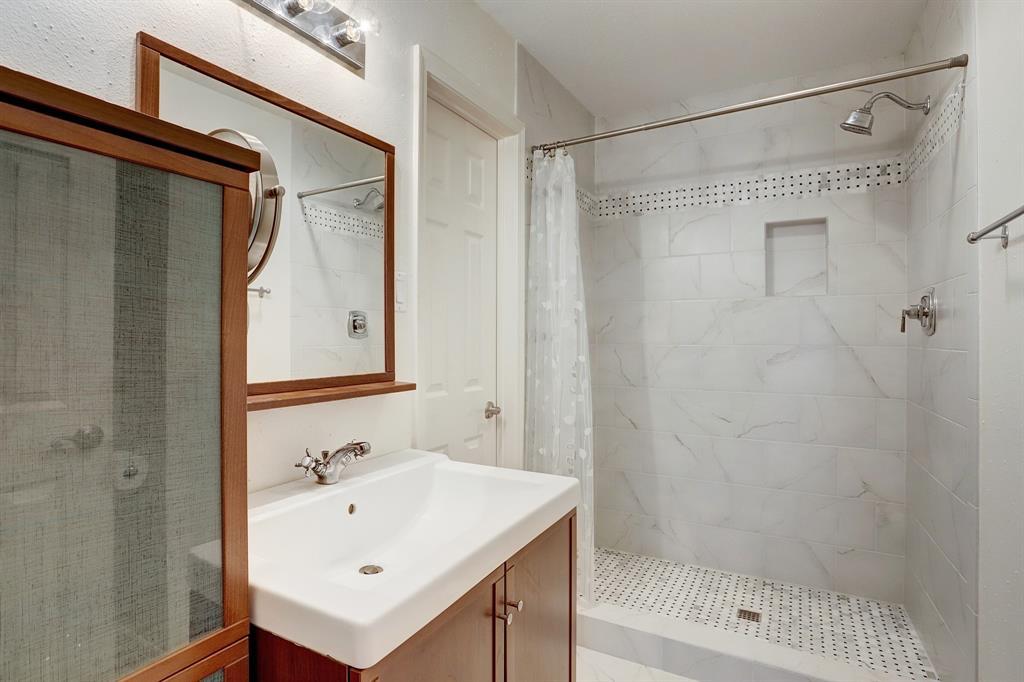 Recently remodeled 1st floor primary bathroom.