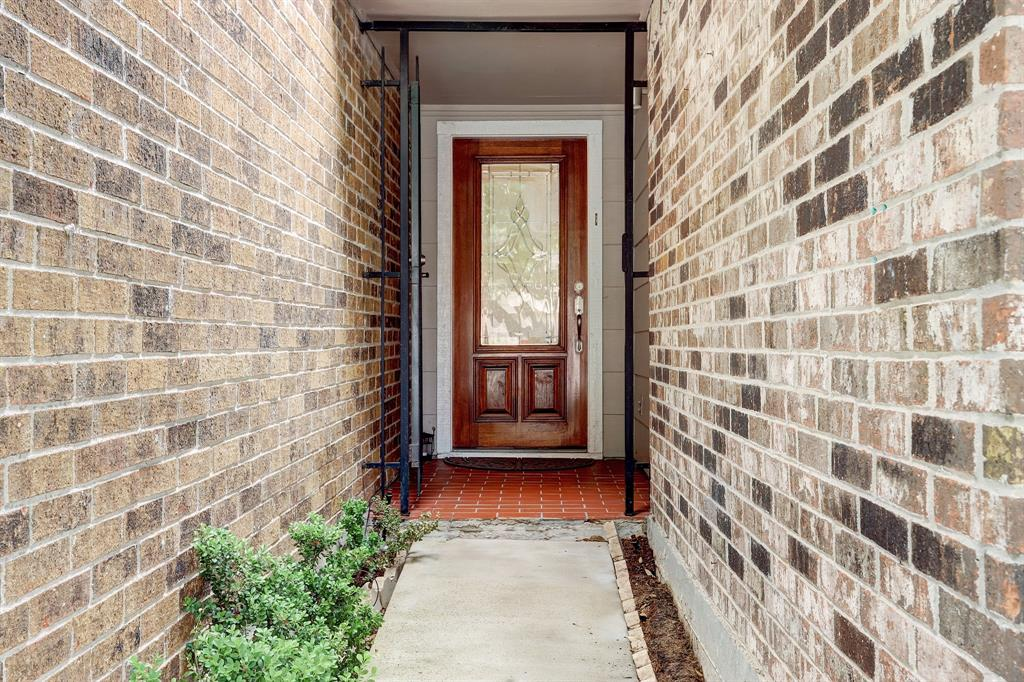Gated front entryway