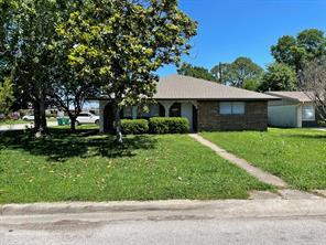 1876 Dolphin Drive, Seabrook, TX 77586
