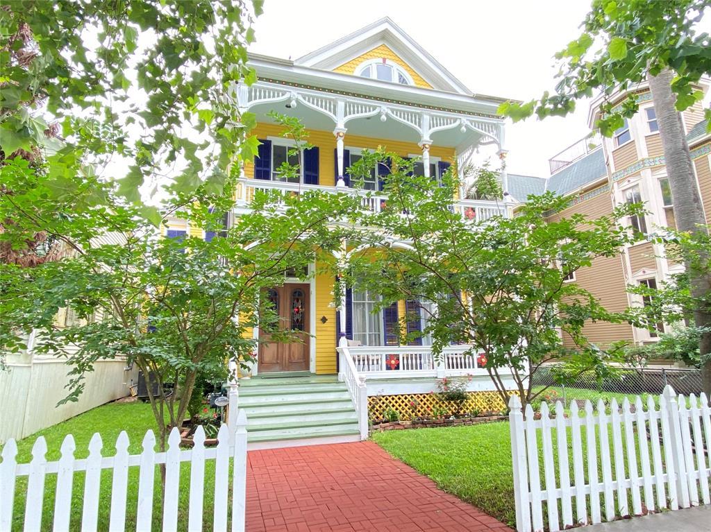 1612 Ball Street, Galveston, TX 77550
