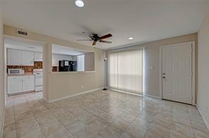 781 Country Place Drive #2040, Houston, TX 77079