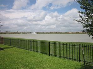9903 Garnet Grove Drive, Rosharon, TX 77583