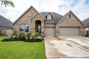 11722 Oakwood Drive, Mont Belvieu, TX 77535