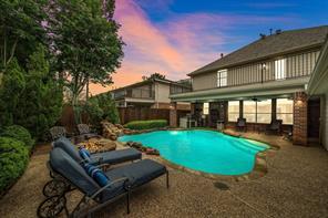 624 Canyon Crest Drive, League City, TX 77573