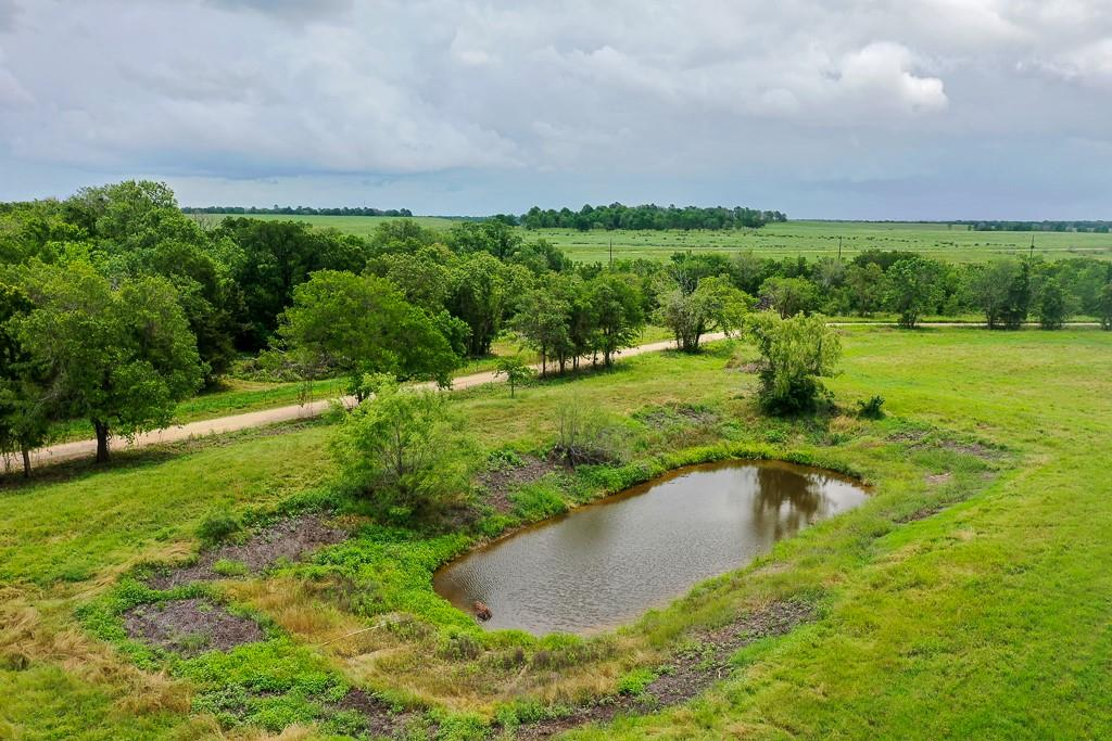1046 County Road 460, Thorndale, TX 76577