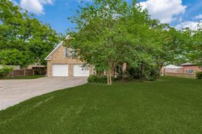 1208 E 7th Street, Sweeny, TX 77480