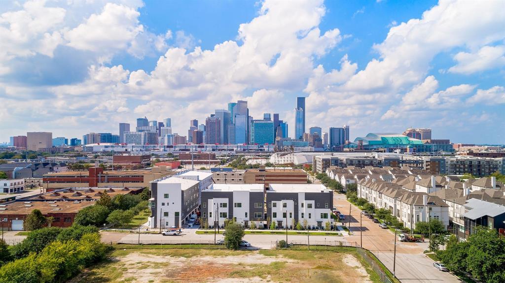 825 Live Oak Street, Houston, TX 77003