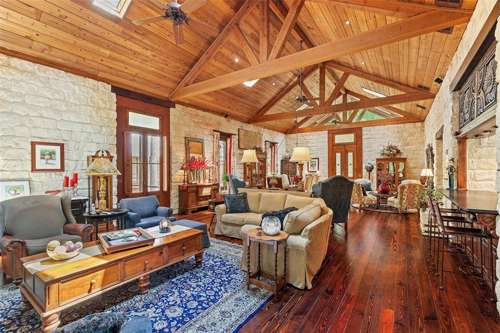 18910 Pinewood Trail, Montgomery, TX 77356