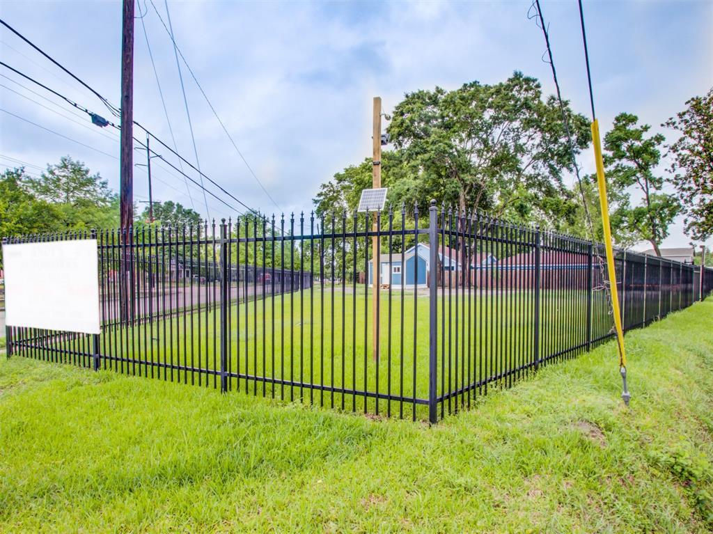 8700 Montgomery Road, Houston, Texas 77088, ,Lots,For Sale,Montgomery,79938914