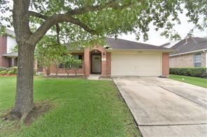 111 Rocky Cove Lane, Dickinson, TX 77539