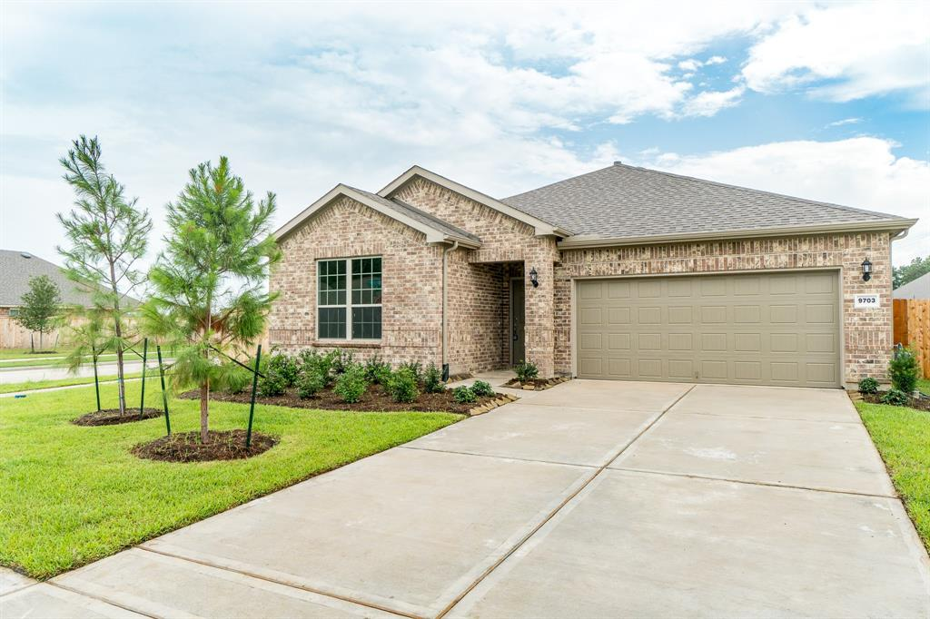 Like new property located in the highly sought after subdivision of Gleannloch Farms. Enjoy the amenities that Gleannloch Farms has to offer (Tennis courts, Multiple Pools, 29 hole golf course, Splash pads, Gym, and much more.) The community has a walking path to Elementary School (Hassler)and a beautiful lake also walking distance. Spacious one story open floor plan, tile throughout main living areas, and carpet only in bedrooms. Great Flex room that is provided and can be used as a study, play room, gym, media room etc. Master bedroom with large shower, double sinks and immense walk in closet. Huge backyard that has a expansive size covered patio and the home is on a corner lot.  Prestigious KLIEN ISD schools (Hassler EL, Doerre MS, Klein Cain HS). Two year old Washer, Dryer, and Refrigerator are also included in this home!!